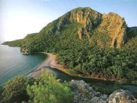 В туристическом месте Олимпос сносят отели