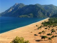 Пляж Чиралы (??ral?), Турция.
