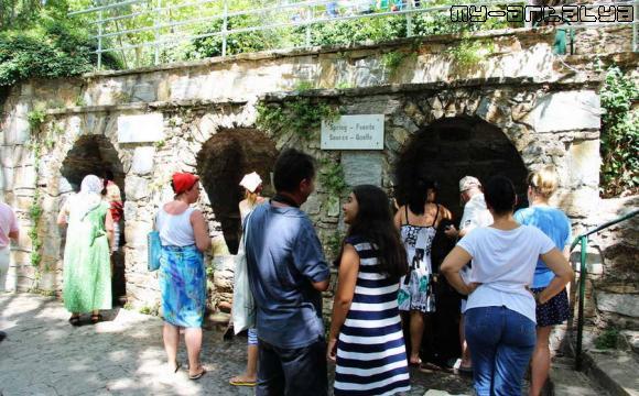 Источник Девы Марии, Эфес, Турция - фото.