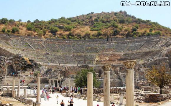 Эфес, большой амфитеатр - фото.