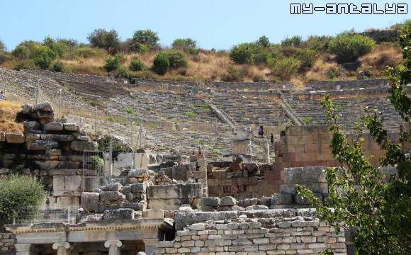 Амфитеатр в Эфесе.