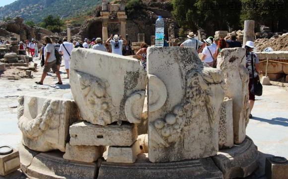 Эфес, византийский фонтан. Турция.