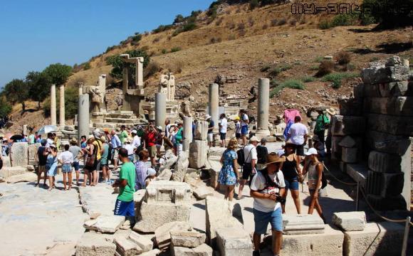 Эфес, мавзолей Меммиуса.