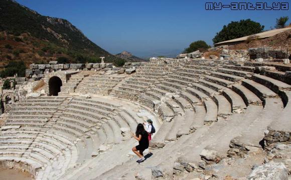 Одеон в Эфесе, Турция.
