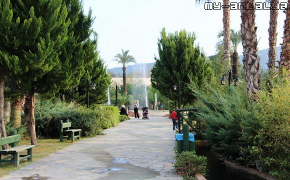 Парк Кугулу зимой, Кемер, Турция.