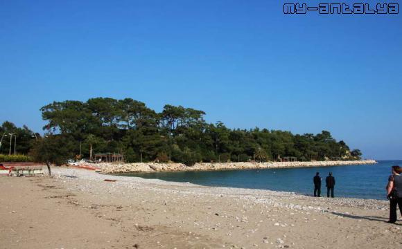 Пляж в Кемере зимой.