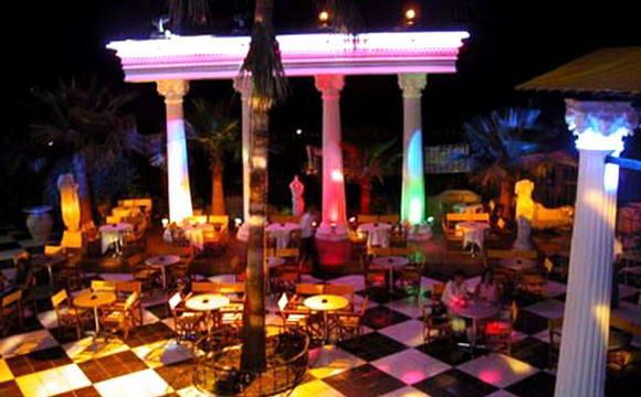 Дискоклуб Charlotte Disco в Кемере, Турция.