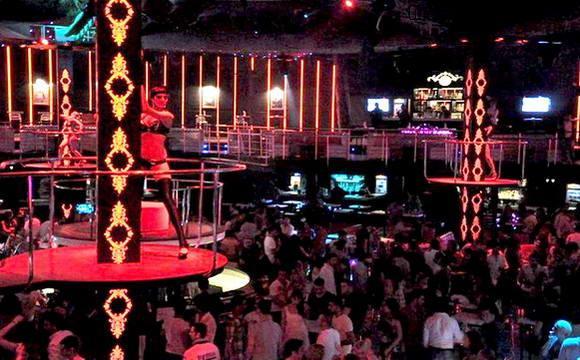 Ночной клуб Salinas (ex. Rai Club) в Кемере, Турция.