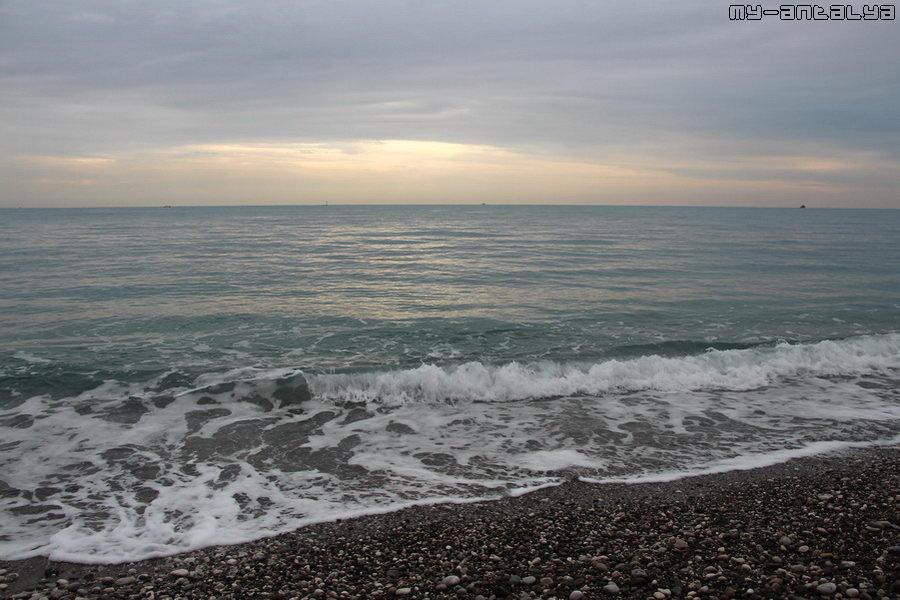 Море в Кемере в декабре.