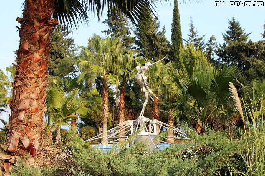 Вот сейчас он находится в парке Кугулу...