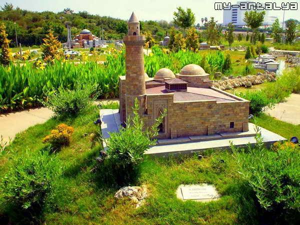 Мечеть Алладина, Ниидэ, Турция (1223 г.).