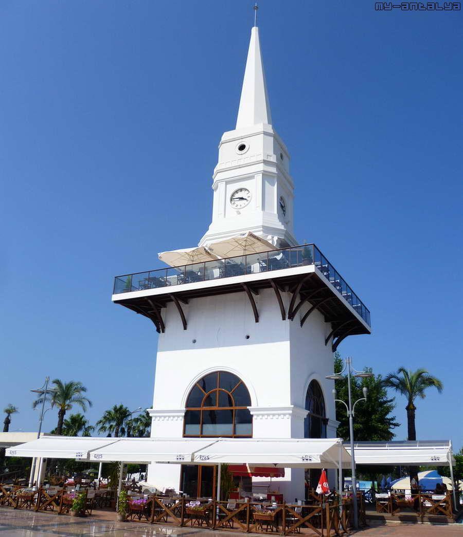 Символ Кемера - белая часовая башня со шпилем. Высота 38 м.