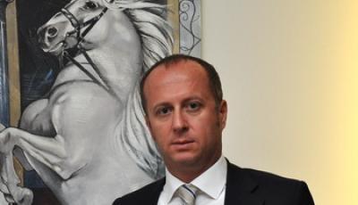 Глава совета директоров строительной компании Uzalta? Юнал Пала, Турция.